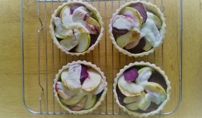 apple beetroot cheese tarts